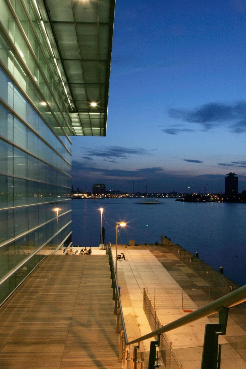 Amstardam arquitectura vista nocturna