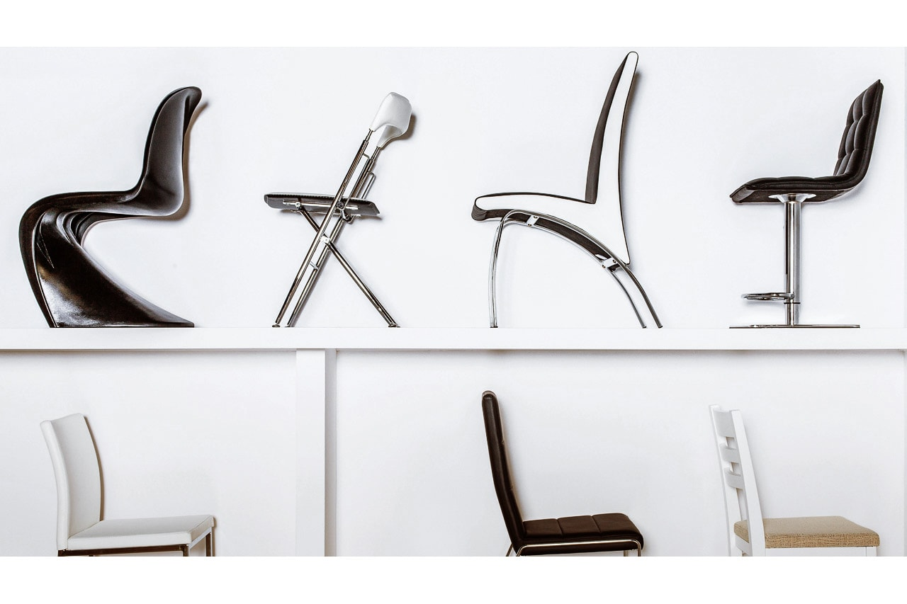 Showroom de muebles detalle sillas